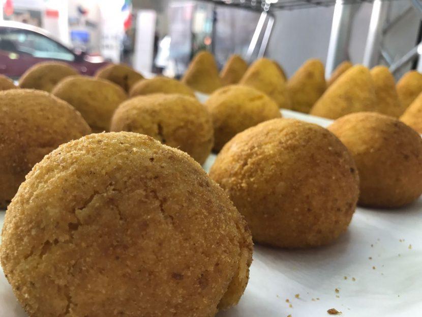 La Calabria: i sapori e l'allegria tra un arancino e un cannolo.
