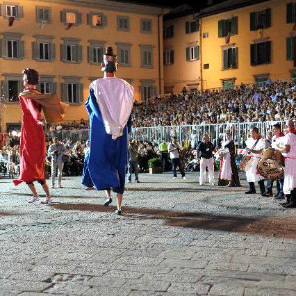Esperia porta a Pisa …….la tradizione calabrese
